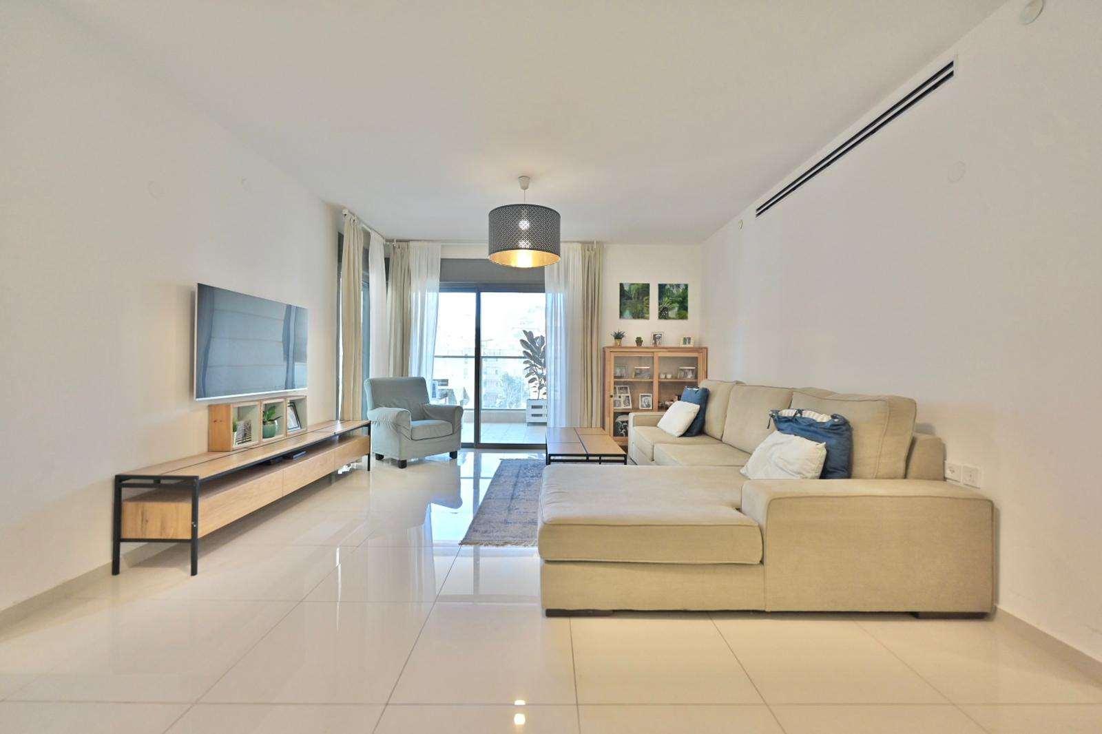 דירה למכירה 4 חדרים ביהוד מונוסון דרך העצמאות