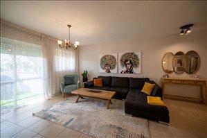 דירה למכירה 4 חדרים ברחובות הר הצופים 27