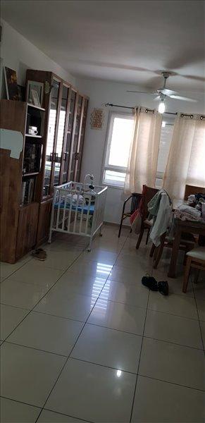 דירה למכירה 4 חדרים בפתח תקווה יהודה הנשיא