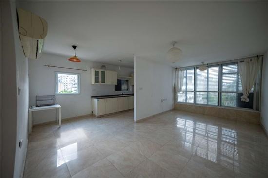 דירה למכירה 4 חדרים ברחובות א' ישראל אהרוני 11