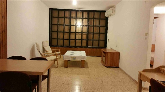 דירת גג למכירה 3.5 חדרים בפתח תקווה אוסישקין