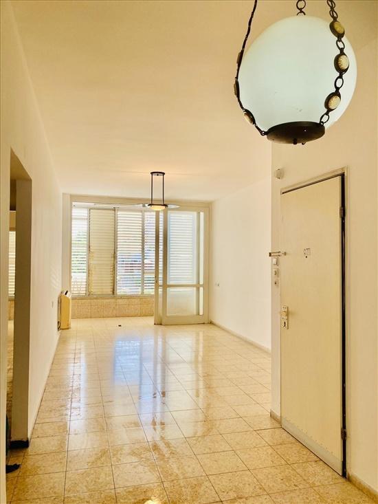 דירה למכירה 3 חדרים בחולון גרין המעפילים