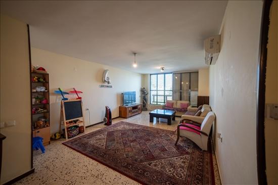 דירה למכירה 4 חדרים ברחובות צפון טובה וטוביה מילר 9