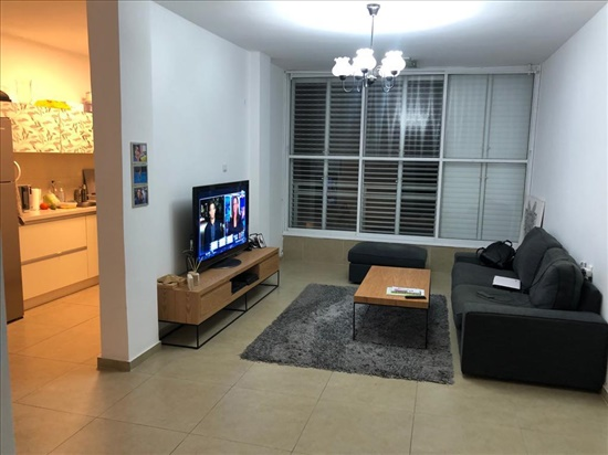דירה למכירה 3.5 חדרים בבת ים 42 עגנון