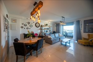 דירה למכירה 4 חדרים ברחובות אהרון מזיא 1