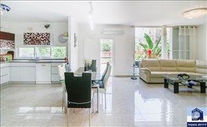 דירה למכירה 5 חדרים בפתח תקווה פפר