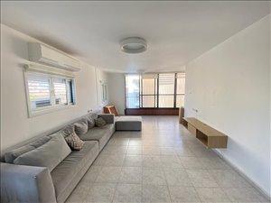 דירה למכירה 4 חדרים בפתח תקווה יהודה הלוי