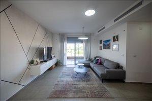 דירה למכירה 4 חדרים ברחובות זבולון גרז 10