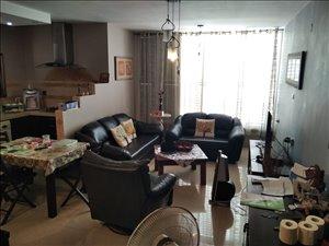 דירת גג למכירה 4 חדרים ברחובות בתיה מקוב 17