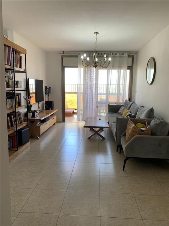 דירה למכירה 4 חדרים ברחובות קרית היובל/ שרונה משה פורר 10