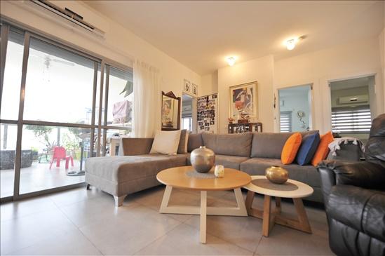 דירה למכירה 4 חדרים ביהוד מונוסון מרכז ביאליק