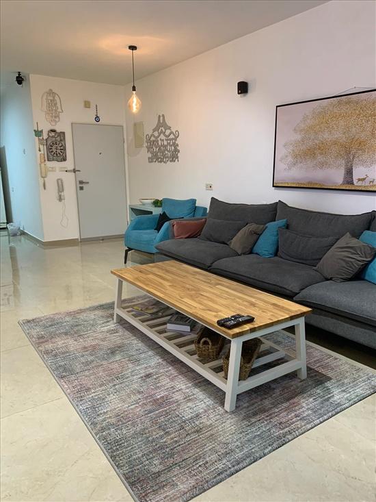 דירת גן למכירה 4 חדרים ברחובות גבעתי לוי אשכול 16
