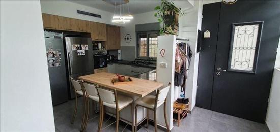 דירת גן למכירה 4 חדרים בירושלים ארנונה הישנה  קורא הדורות