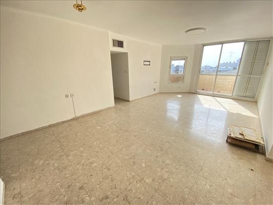 דירה למכירה 5 חדרים בפתח תקווה מרכז הרצל