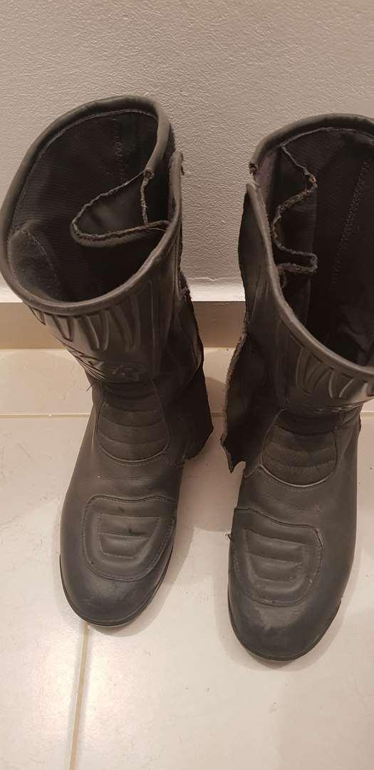אביזרים דו גלגלי אביזרי לבוש ומיגון