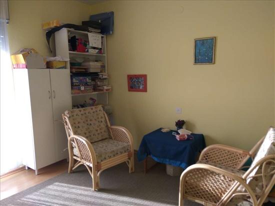 חדר טיפול שמאלי - פינת ישיבה