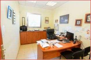 חדר-משרד לדוגמה