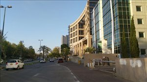 חנויות השכרה בתל אביב יפו ראול ולנברג 500 מר אולם תצוגה משרדים מידי