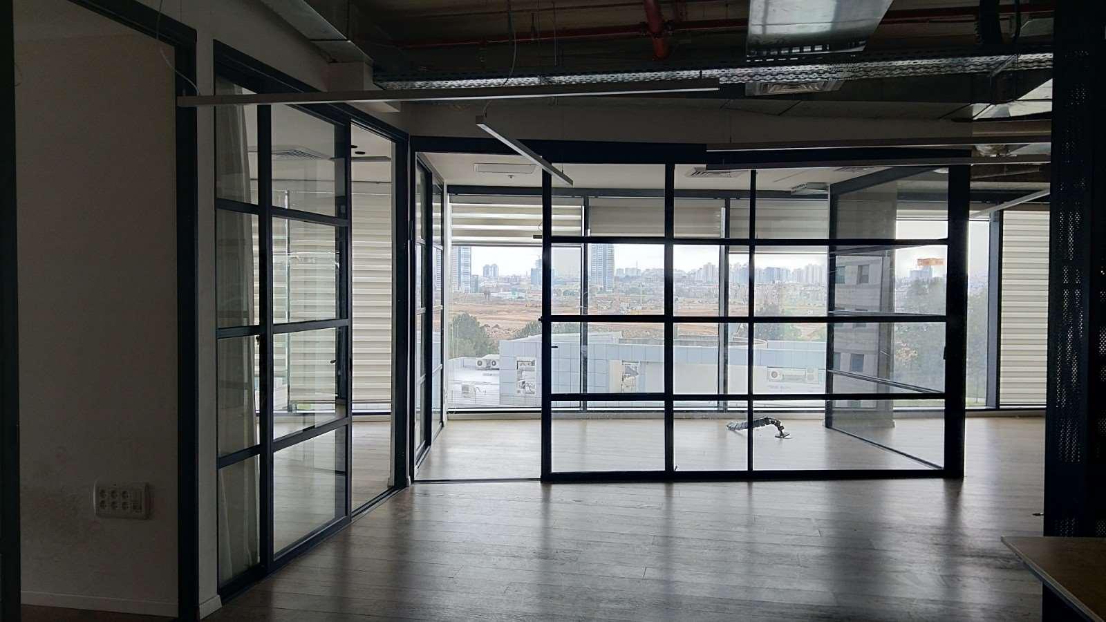 תמונה 2 ,משרדים להשכרה להשכרה משרד 175 מר רחוב הברזל  רמת החייל תל אביב יפו