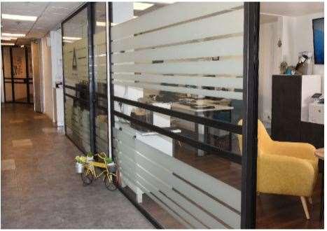 100 מר להשכרה בצור יגאל משרדים מאובזרים בבניין ייצוגי  כ100 מר