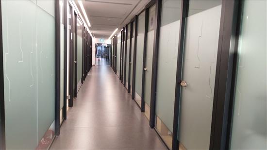 22 מר להשכרה בתל אביב יפו משרד משלך במתחם משרדים מפואר עם מרפסת ברמת החייל