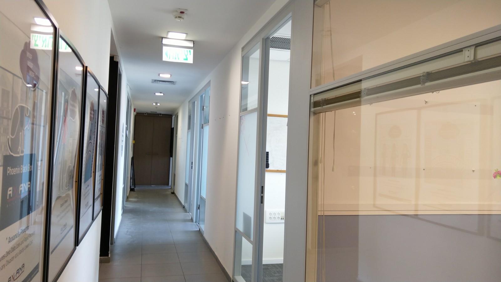 תמונה 3 ,משרדים להשכרה הברזל  משרד מואר 370 מר  רמת החייל תל אביב יפו