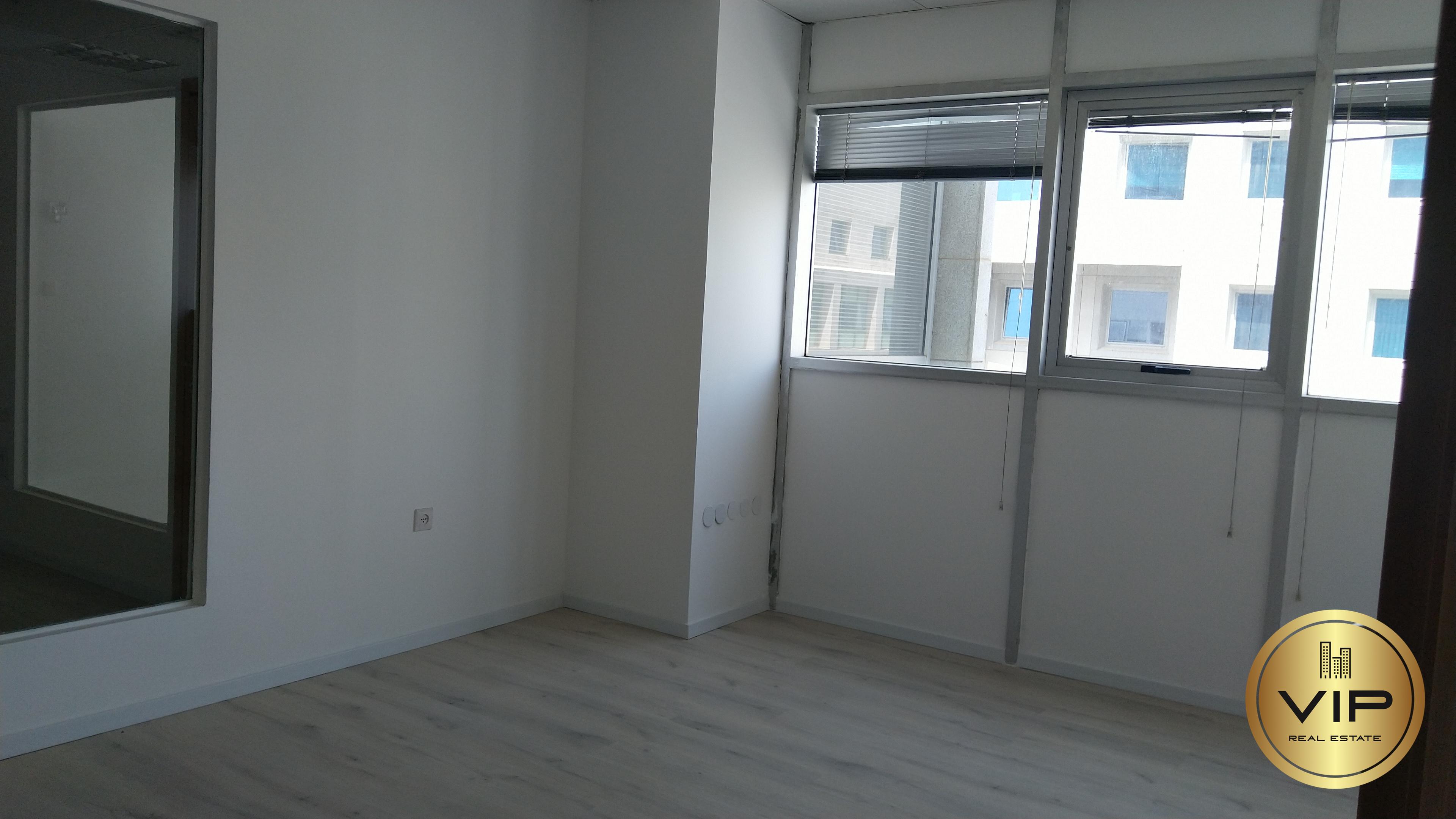 תמונה 2 ,משרדים להשכרה משרדים להשכרה בצפון תל אביב ,רחוב הברזל 125 מר משרד מואר  רמת החייל תל אביב יפו