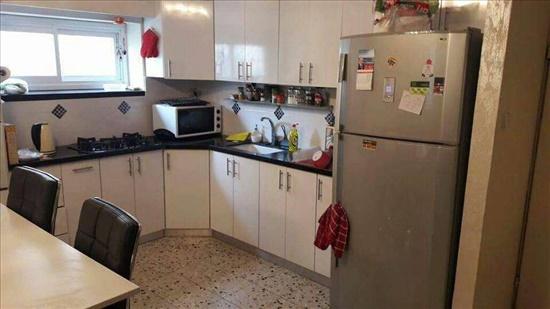 דירה לשותפים 4 חדרים בנתניה שדרות חיים וייצמן