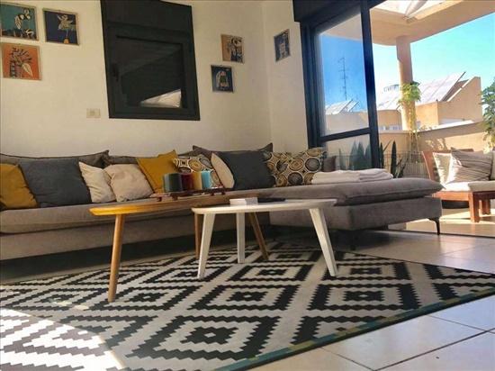 פנטהאוז לשותפים 3 חדרים בתל אביב יפו נחלת בנימין 145