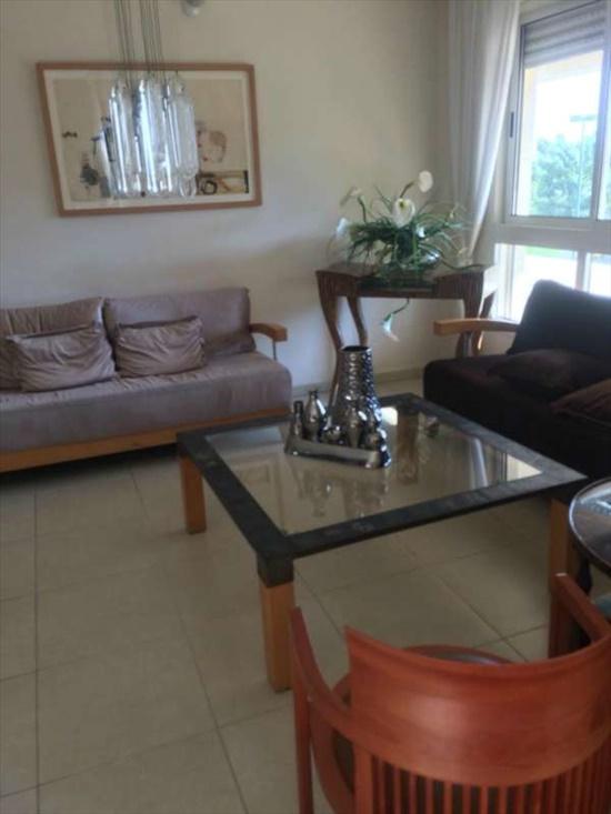 דירה לשותפים 4 חדרים ב תל  אביב אהרון בקר