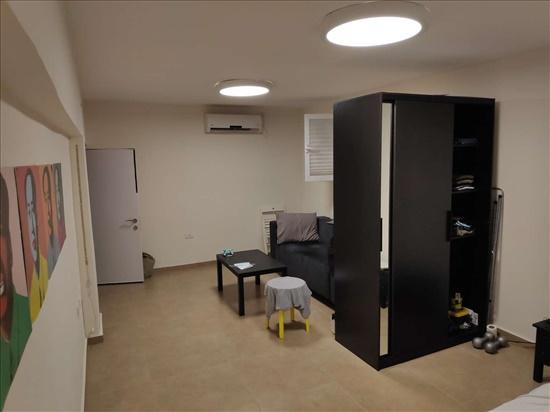 דירה לשותפים 5.5 חדרים ב,תל אביב רוטשילד