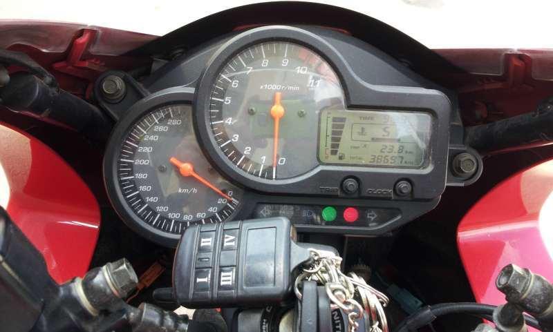 הונדה VTR 1000