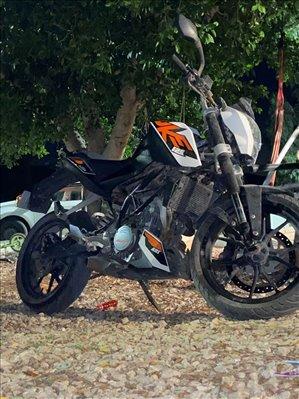 ק.ט.מ / KTM דיוק 125  2016 יד 2