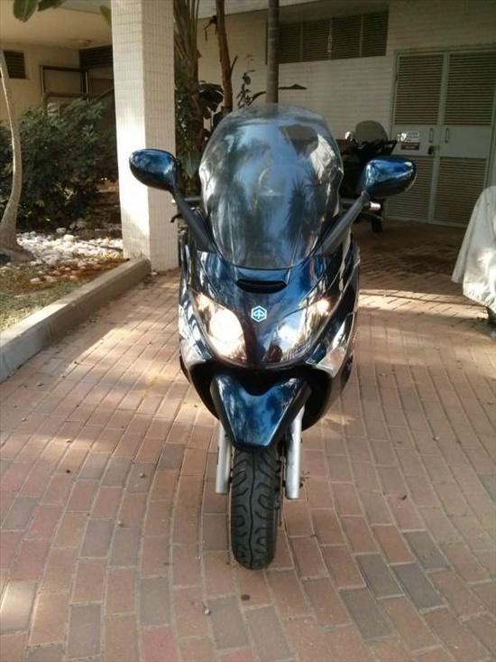 פיאג`ו X-EVO 250 2011 יד  1