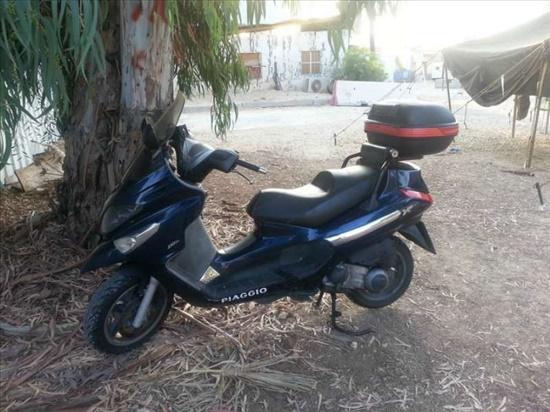 פיאג`ו X-EVO 250 2010 יד  3