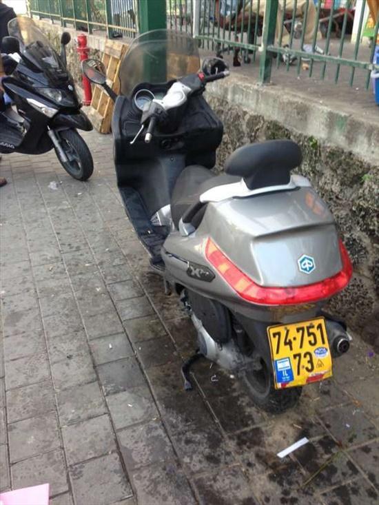 פיאג`ו X-EVO 250 2011 יד  2