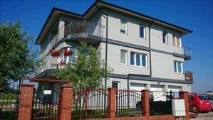 דירה להשכרה 4 חדרים ב Warszawa