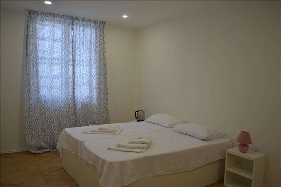hotels 10 Rooms In Georgia -  Tbilisiמלונות ונופש  10 חדרים בגאורגיה  - טביליסי