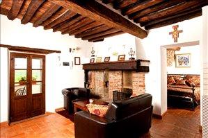 להשכרה 2 חדרים ב קורטונה