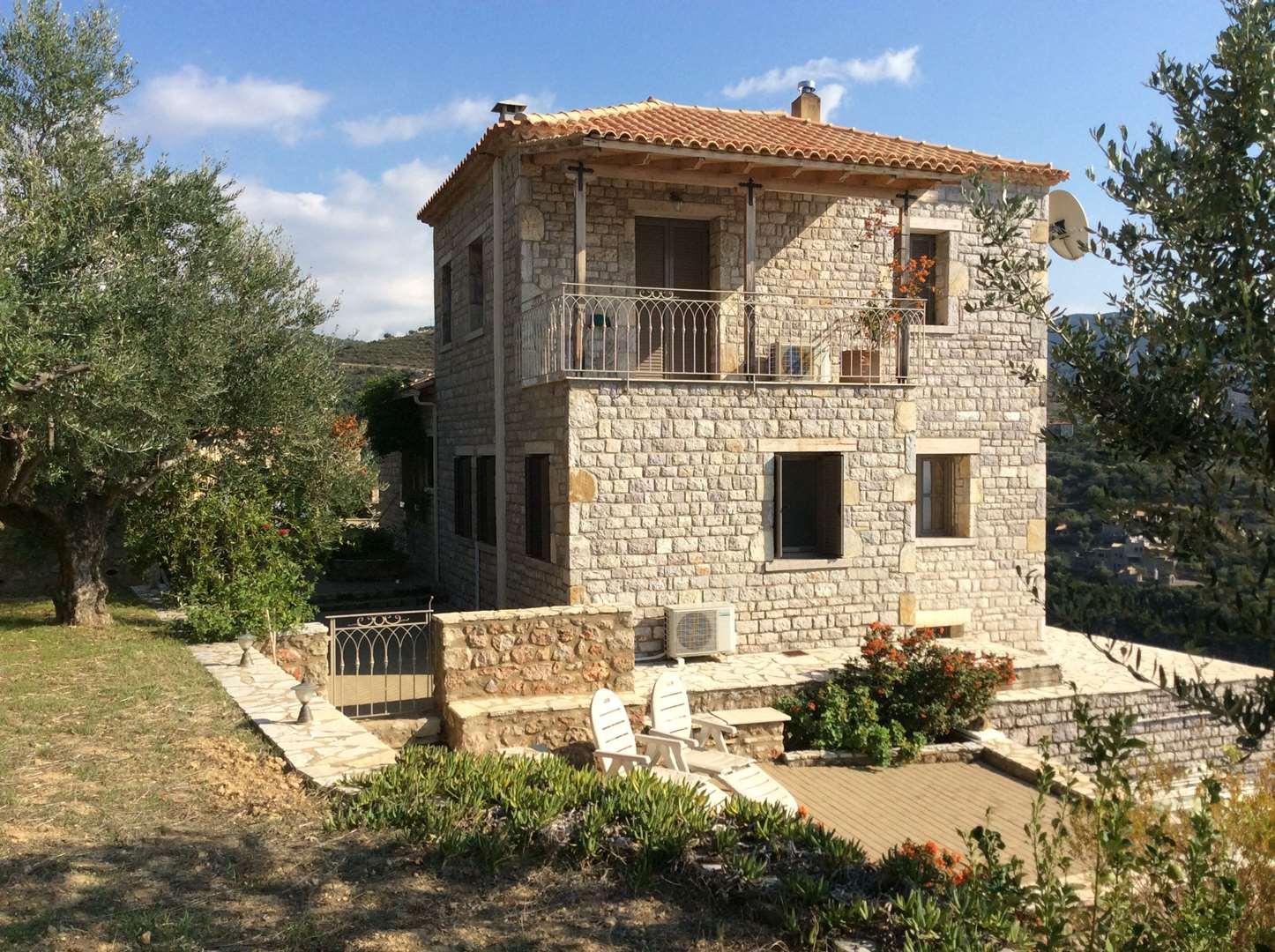 בית פרטי להשכרה 6 חדרים ב pelopponese kalamata