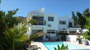 וילה להשכרה 4 חדרים ב Larnaca / Oroklini