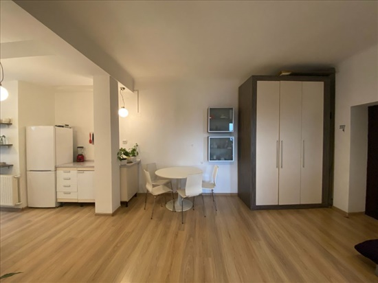.Apt 3 Rooms In Romania -  Bucharestדירה  3 חדרים ברומניה  - בוקרשט