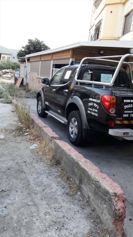 מיצובישי צ`אמפ 2009 יד  2