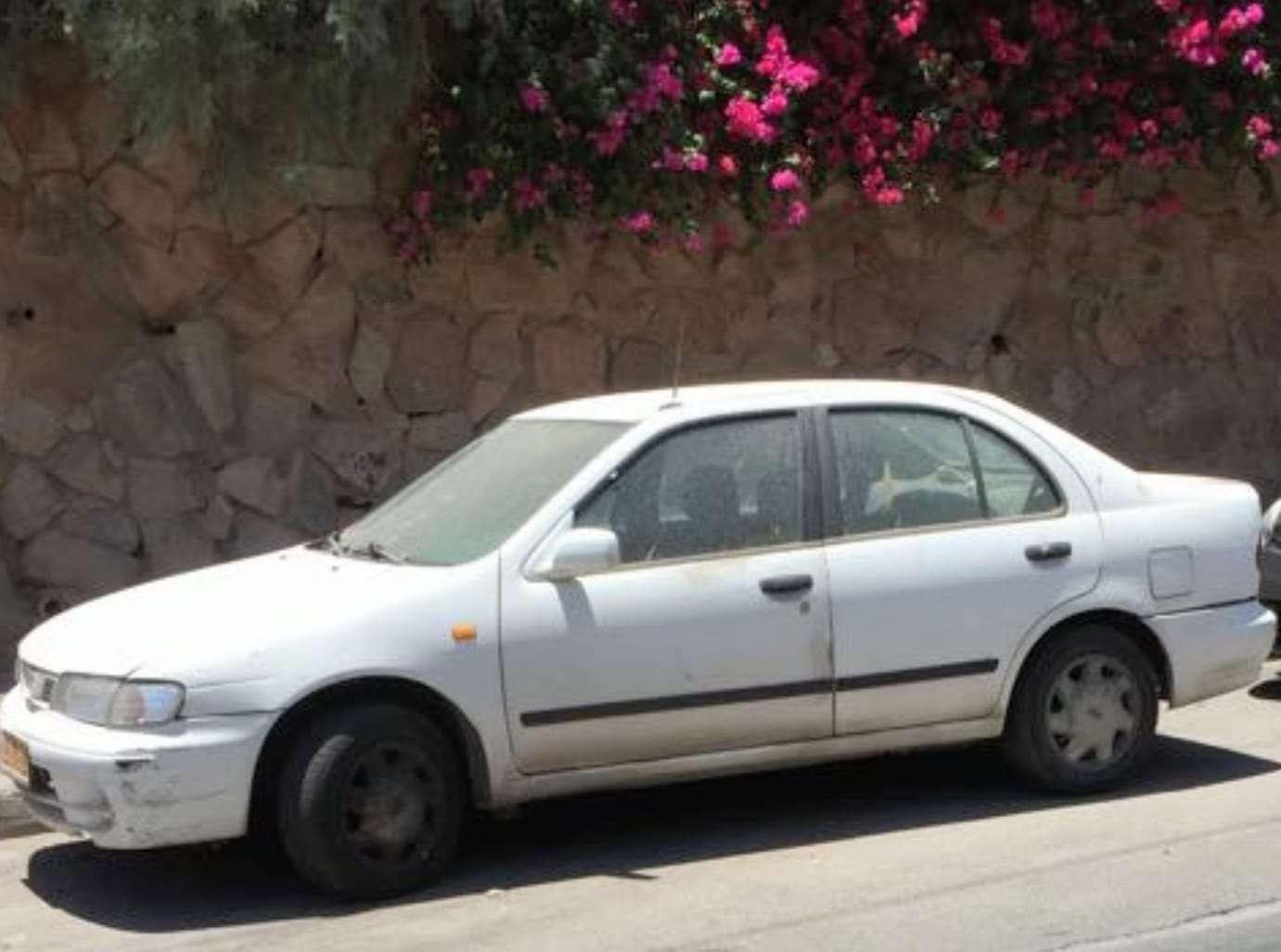 ניסאן  אלמרה