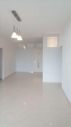 דירה להשכרה 4 חדרים בםןחיפה דרך הים 135ב