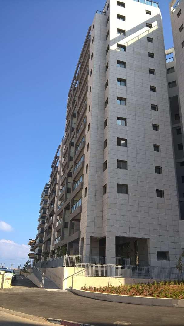 דירה, 5 חדרים, רחוב איזק שטרן 15...