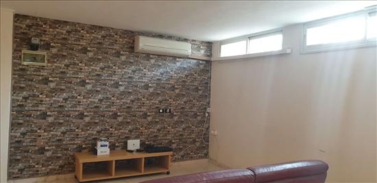 יחידת דיור להשכרה 2.5 חדרים באבן יהודה מעלה הארגמן