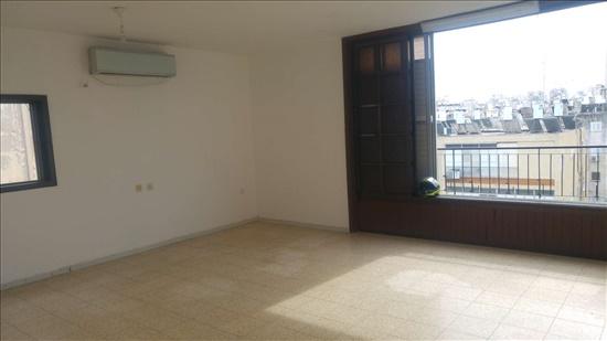 דירה להשכרה 3 חדרים בחולון חומה ומגדל