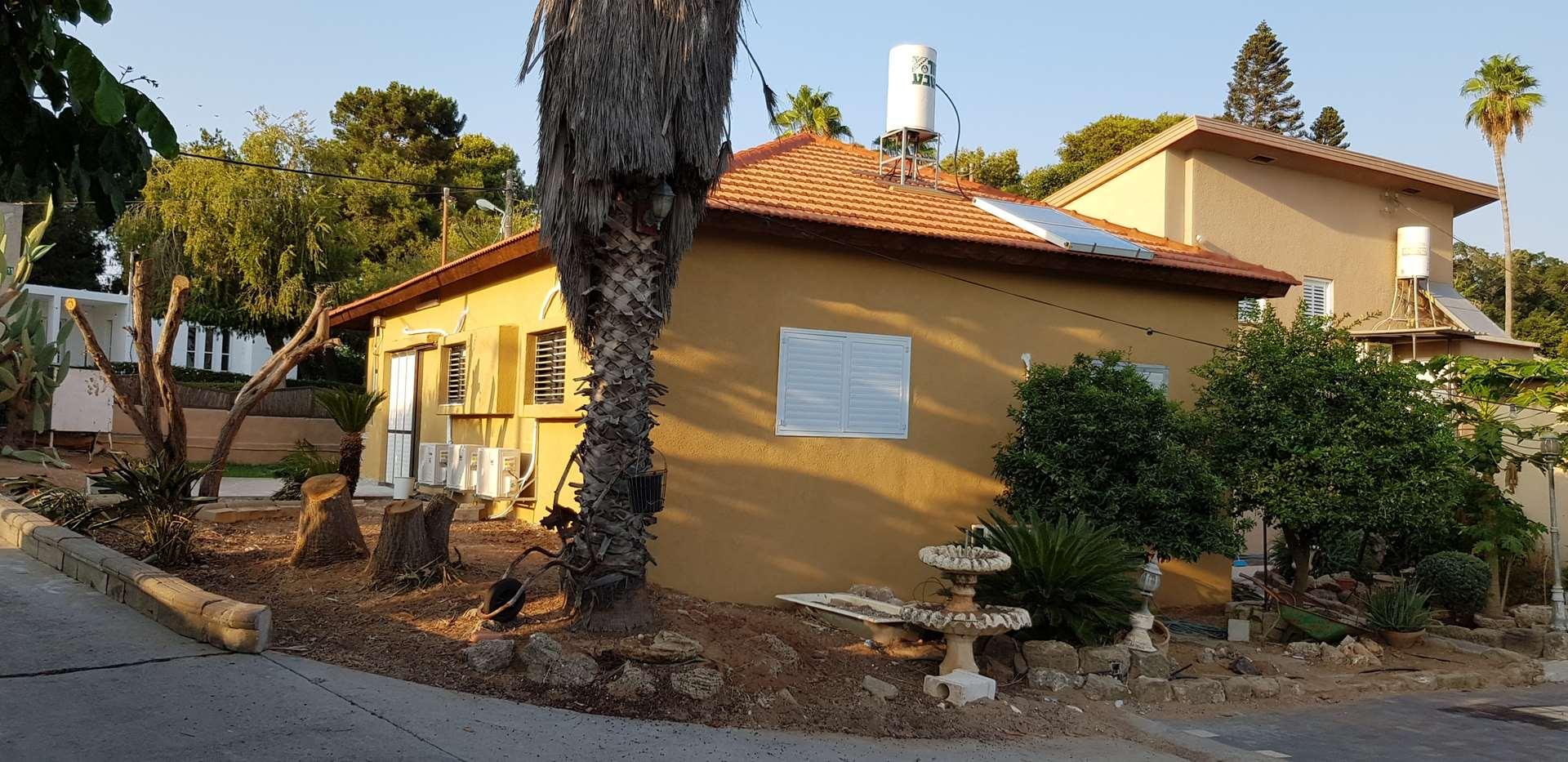 מפוארת בית פרטי להשכרה 5 חדרים פלמחים, פלמחים מושבים במרכז | הומלס NT-96