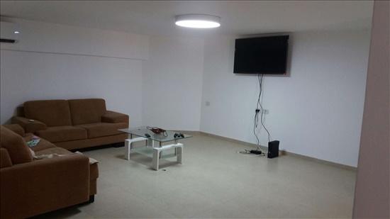 יחידת דיור להשכרה 3 חדרים במיתר דרך יתיר דרומית